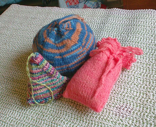 Knit sachet pattern knitted lavender pillows triangle globe pouch