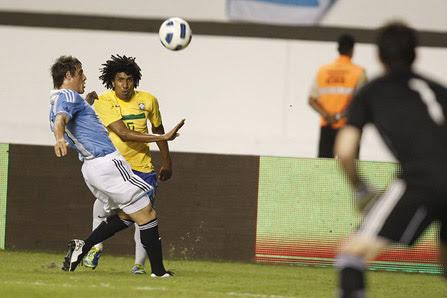 Lateral-esquerdo fez sua estreia pela Seleção logo na sua segunda convocação e provou que dá conta do recado