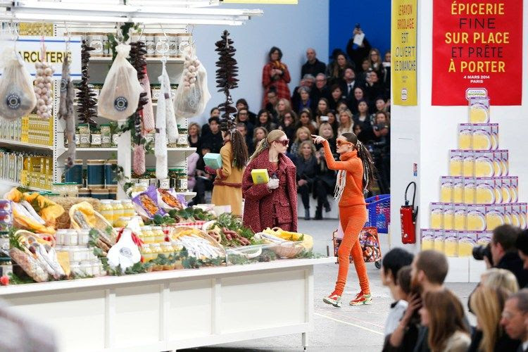 photo Chanel-supermarket-2-Vogue-4Mar14-PA_b_zpsf894a9e8.jpg