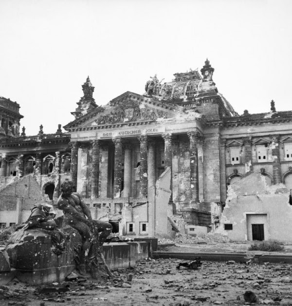http://www.unz.com/wp-content/uploads/2014/07/Reichstag_after_the_allied_bombing_of_Berlin-600x628.jpg