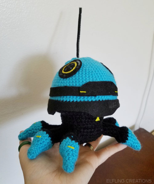 Elfling Creations • The robot plushie is finished and gosh I'm so...
