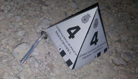 Un tornillo, utilizado como metralla