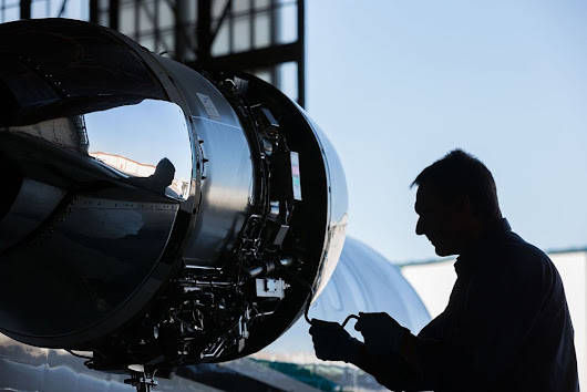 Benefits of Joining Aircraft Maintenance Engineering in India