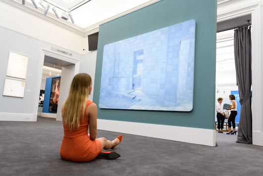 Is It Even Possible to Comprehend a Work of Art Without Seeing a Woman Next to It (for Scale)? | artnet News