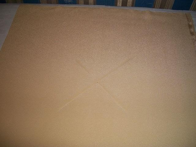 Pegue um quadrado de tecido 36h36 ver Encontrar o meio.
