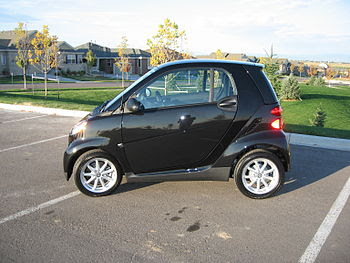 English: 2008 Triple Black smart car 451