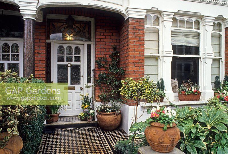 GAP Gardens - Front garden of terraced Victorian house ...