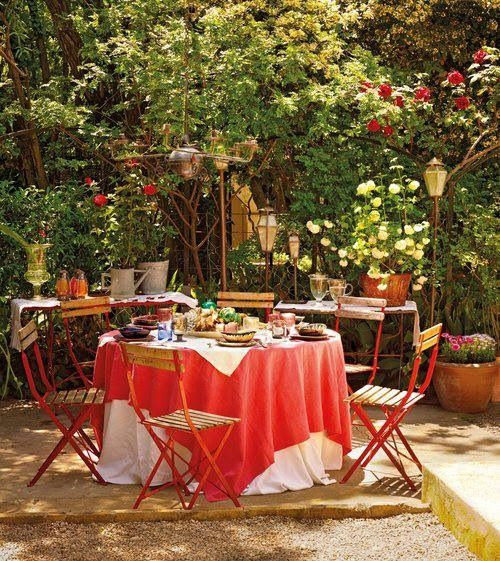 secret garden  Here is a place to have your Tea Parties.