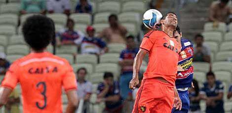 Com o resultado, o Sport precisa vencer por dois ou mais gols de diferença na partida de volta, domingo, às 16h, na Ilha do Retiro / Foto: Edimar Soares/O Povo