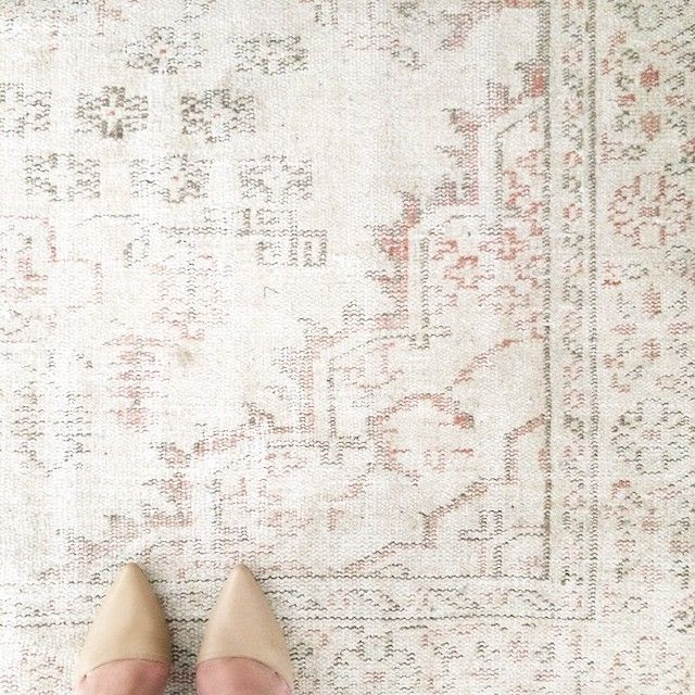 Le Fashion Blog LA Apartment Instagram Faded Overdyed Neutral Cream Pink Turkish Rug Nude Heels photo Le-Fashion-Blog-LA-Apartment-Instagram-Faded-Overdyed-Neutral-Cream-Pink-Turkish-Rug-Nude-Heels.jpg
