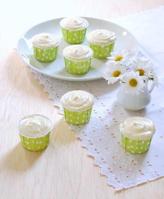 Lime cupcakes / Cupcakes de limão e 5 anos de blog