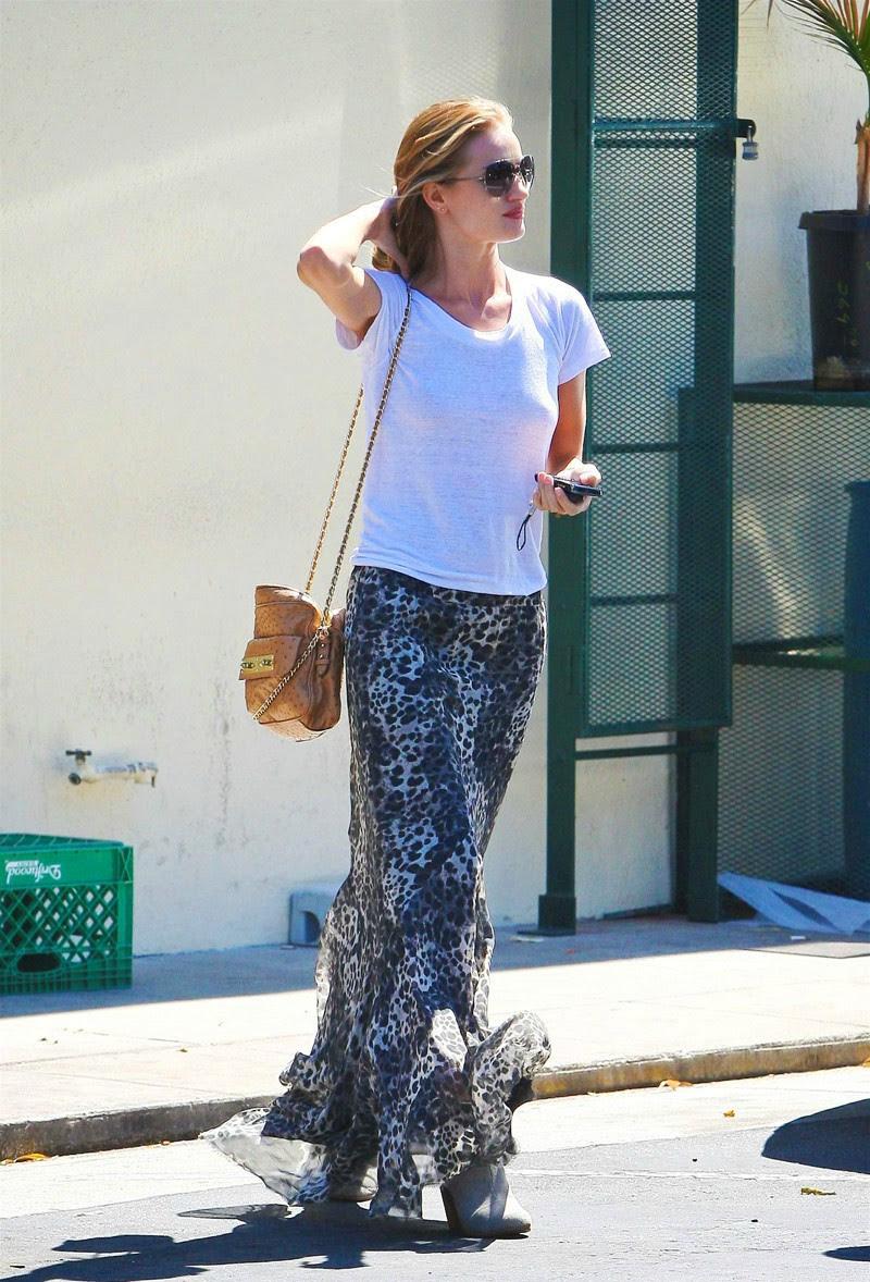Manken Rosie Huntington-Whiteley, Moda başyazılar, Dantel elbise, Stil ilham, Moda fotoğrafçılığı, Uzun saç