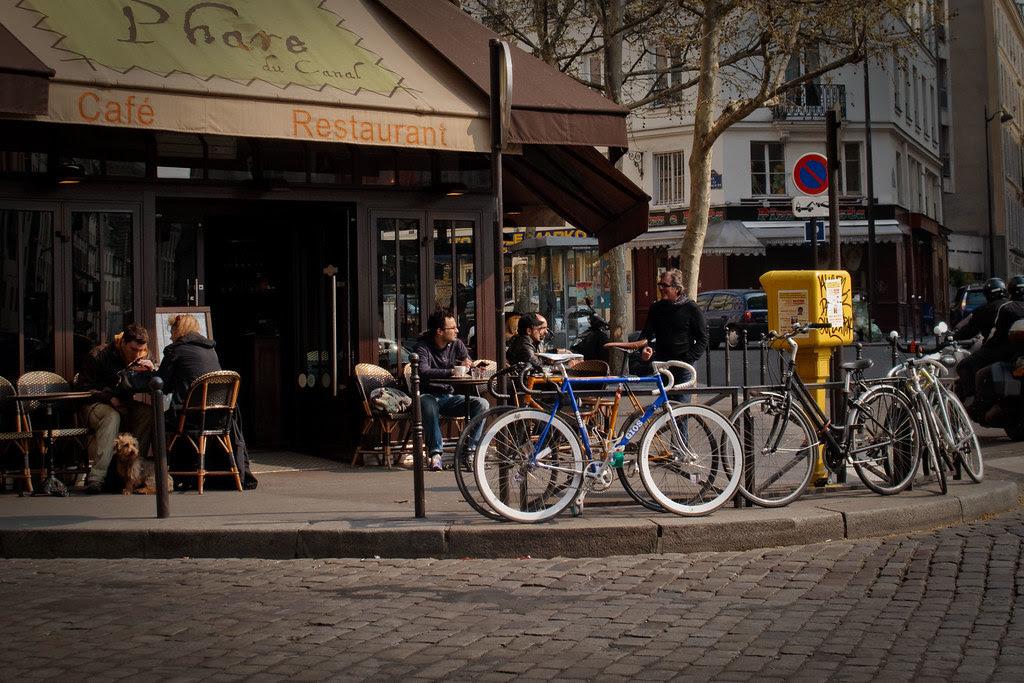 Café near cyclope