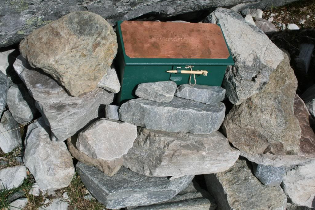 Innskriving i boka på Hovlandstøylen