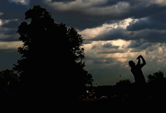 Merion Moments: Phil Mickelson's scheduling luck continues as group beats race against darkness