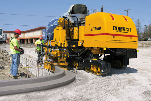 Advantages of Using Slipform Machines for Concrete Curb Construction