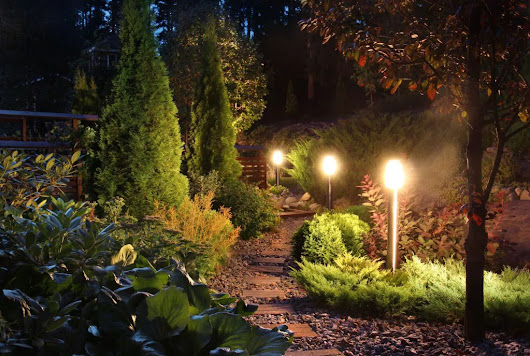 Light Up Your Home This Winter! - Huskie'z Landscaping