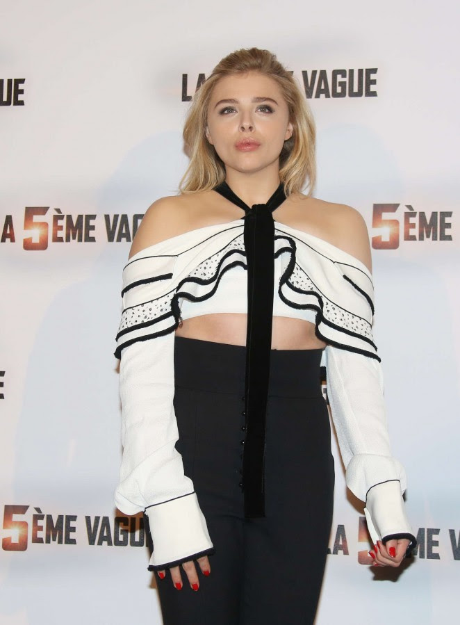 Chloe Moretz: The 5th wave Photocall -17