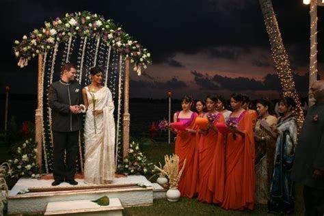 Simple yet classy! #poruwa #srilanka #kandy #wedding