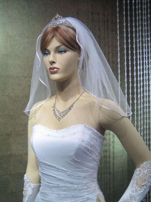 For Sale - 2 ivory veils and one cream veil :  wedding ivory veil edge fingertip V26 2