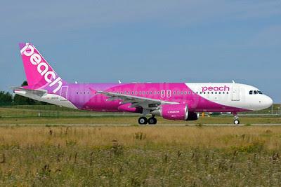 Peach Aviation (Japan) Airbus A320-214 D-AXAU JA810P (msn 5724) XFW (Gerd Beilfuss). Image: 913252.