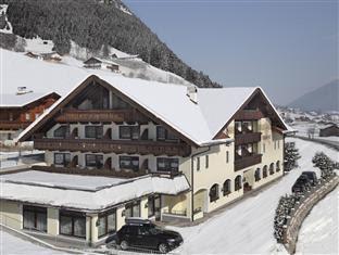 hotel near Neustift im Stubaital Hotel Bergjuwel