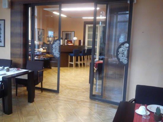 EL BUFFET DESDE EL SALON ART DECO - Picture of Hotel Orion, Ghent ...