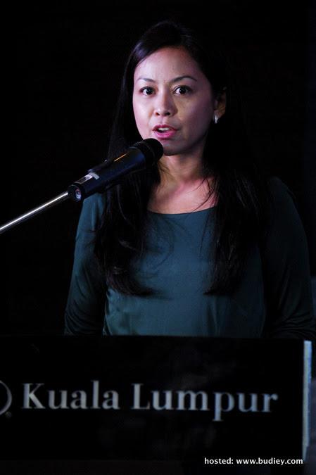 Cik Azlin Reza Azmi, Pengurus Saluran Astro Prima