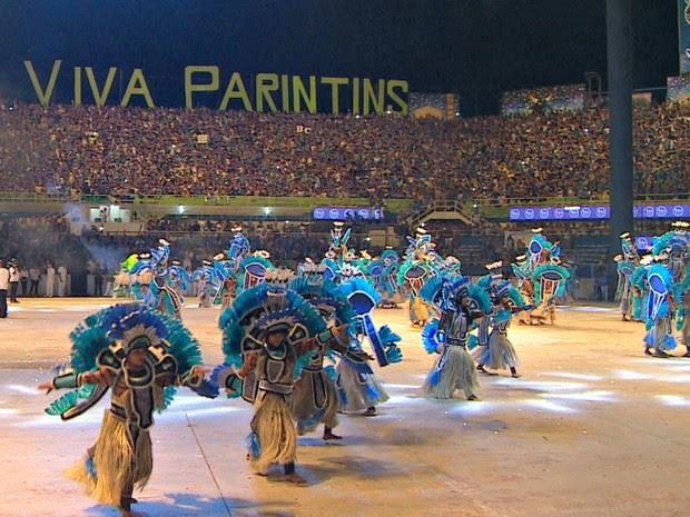 Tribos coreografadas foram aplaudidas durante apresentação em Parintins (Foto: Reprodução/Rede Amazônica)