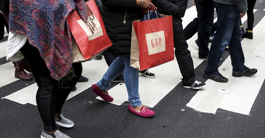 Holiday sales fall short of forecasts: NRF