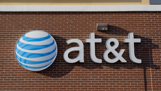 FCC fines AT&T a record $25 million for customer data thefts