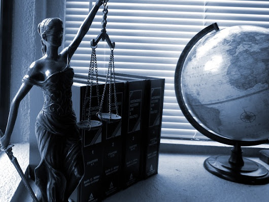 Two Types of Laws; The Voluntaryist Perspective on Politics » One Voluntaryist's Perspective » Everything-Voluntary.com
