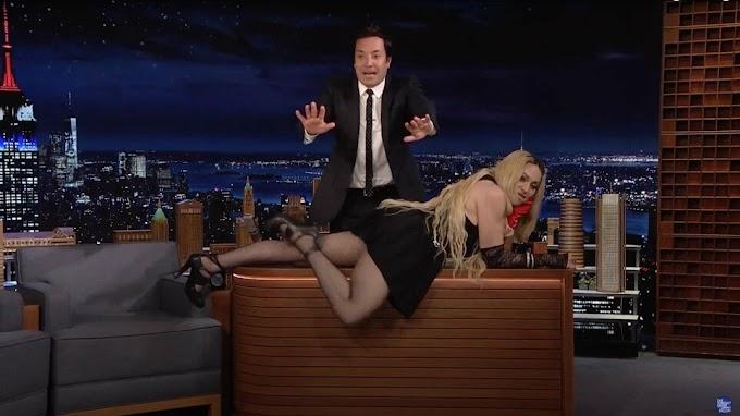 Μαντόνα: Ξάπλωσε στο γραφείο του Τζίμι Φάλον και σήκωσε τη φούστα της μπροστά στην κάμερα!