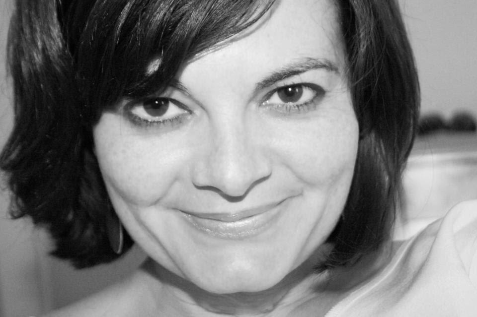La joven de ojos miel, caro musso, ediciones kiwi, reseña literaria, blog soloyo