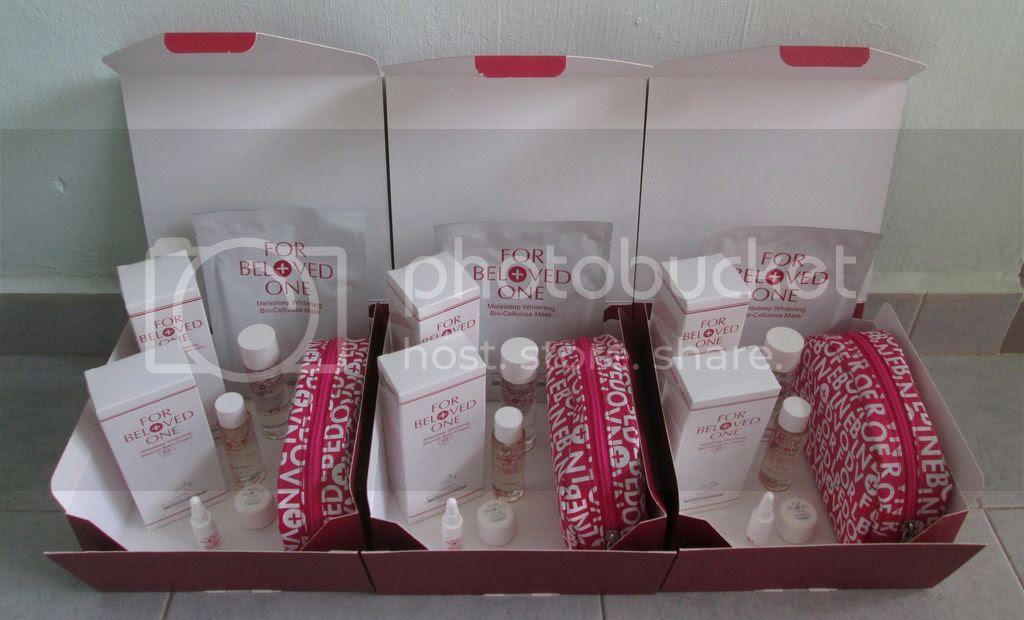 photo ForBelovedOneDeluxeWhiteningKit05.jpg