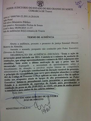Juiz determinou multa ao governador e à secretária de Segurança Pública, Kalina Leite (Foto: Fred Carvalho/G1)