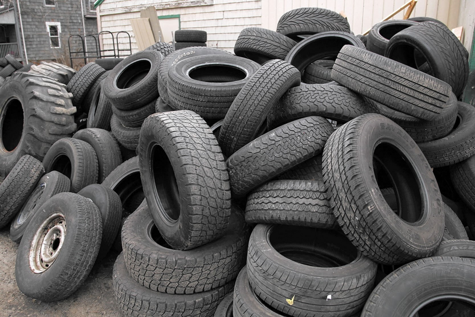 Abandoned Tires A Growing Problem For Cities But Great For Mosquitoes Hartford Courant