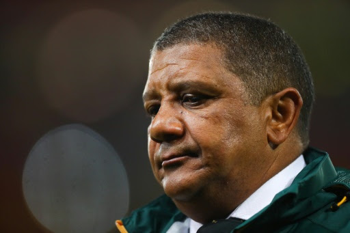South Africa stick with struggling Coetzee