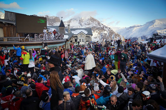 Best Nightclubs and Après-Ski Bars in the Alps