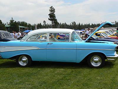 voiture bleue.jpg
