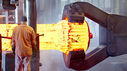 A Fascinating Video of Blacksmiths Operating Massive Machines to Forge Large Pieces of Metal