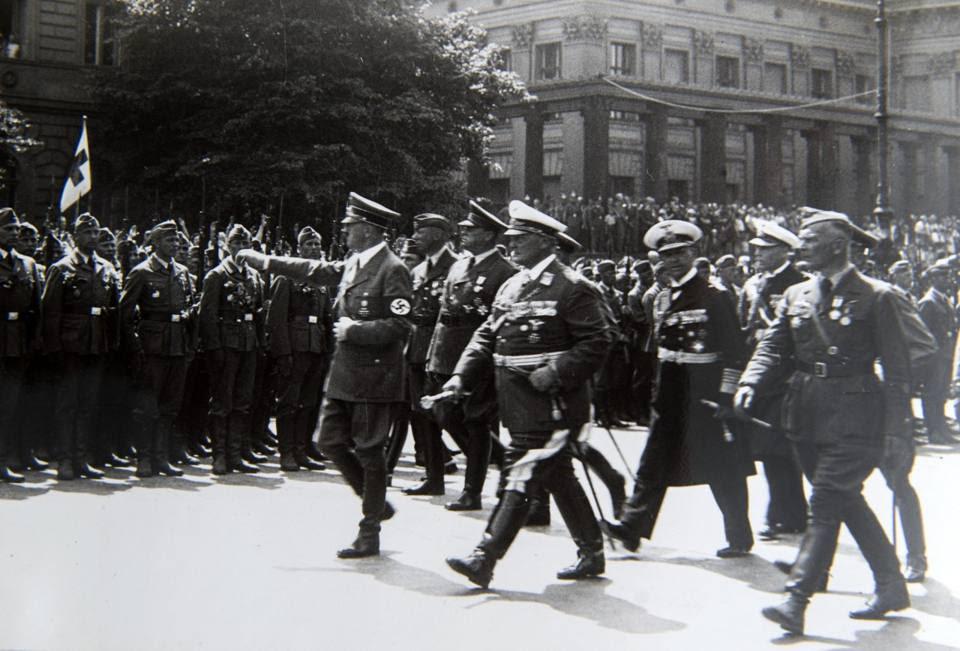 Con Hitler e Goering
