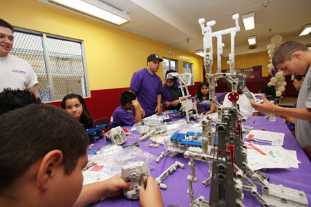 """On Monday at Hollenbeck Middle School, students got to experience the """"fun"""" part of science, technology, engineering and math during the launch of the STEM-Up pilot program in Boyle Heights. (Penaphotography.com)"""