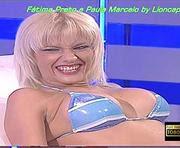 Fatima Preto e Paula Marcelo sensuais em biquini nos malucos do riso