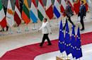 Merkel cautions EU leaders over choice of EU Commission chief