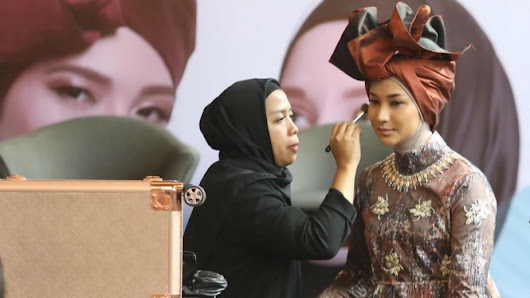Intip Makeup Look Tim Indonesia di Panggung NYFW 2019 – VIVA