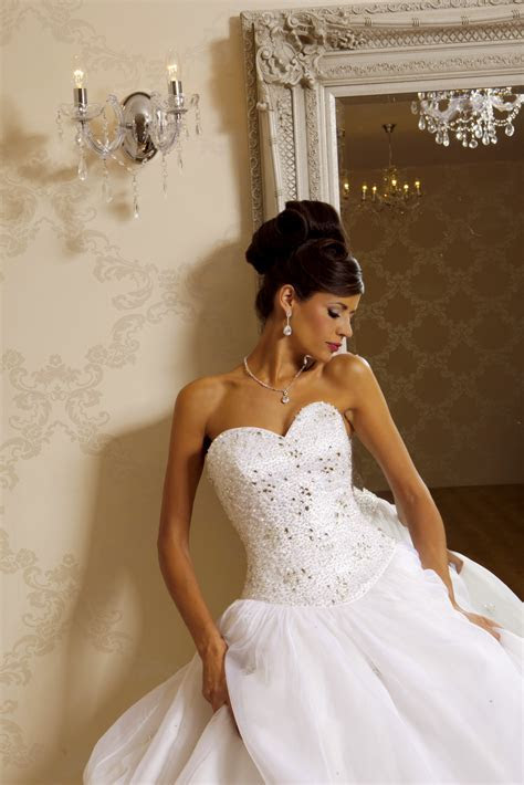 Aphrodite Wedding Dress from Hollywood Dreams   hitched.co.uk