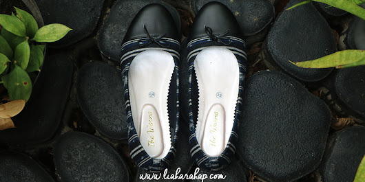 Inspirasi Gaya Fashion Dengan The Warna Flat Shoes - Lia Harahap