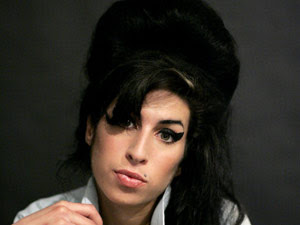 Amy Winehouse morreu por excesso de álcool, segundo laudo