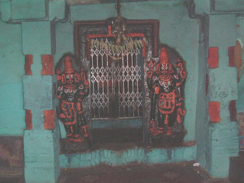 Antiquated Hanuman temple in Heggunda